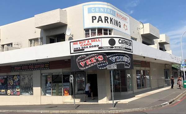 Somerset West, Western Cape: Upper Main Road - Voertaal